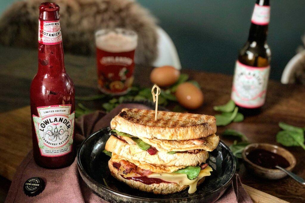 Lowlander Botanical Beers_Recipe_Foodpairing_Cranberry Ketchup_Egg Sandwich Toast_landscape